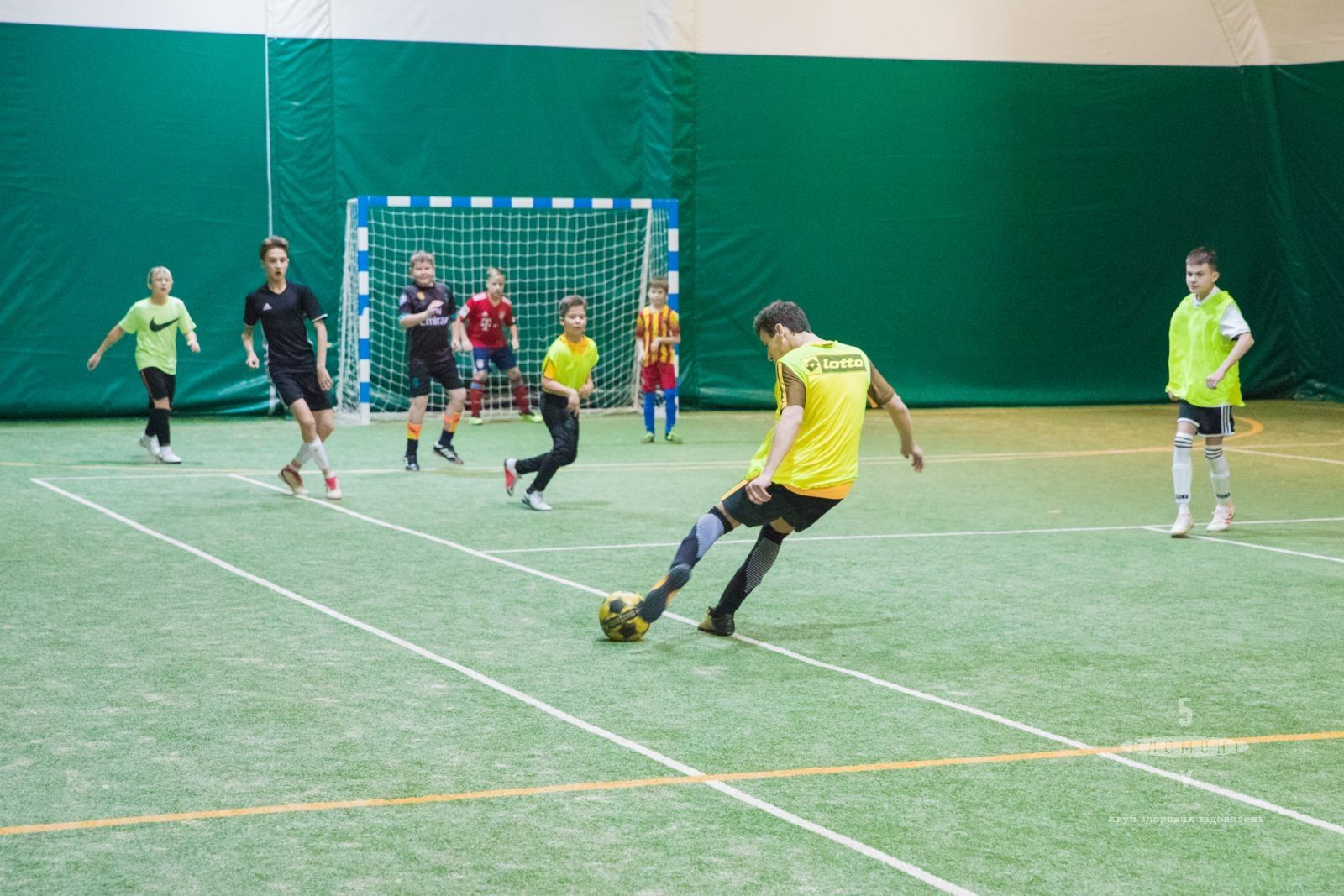 Дитячий футбол для дітей від 3 до 5 років— фітнес-клуб 5 елемент