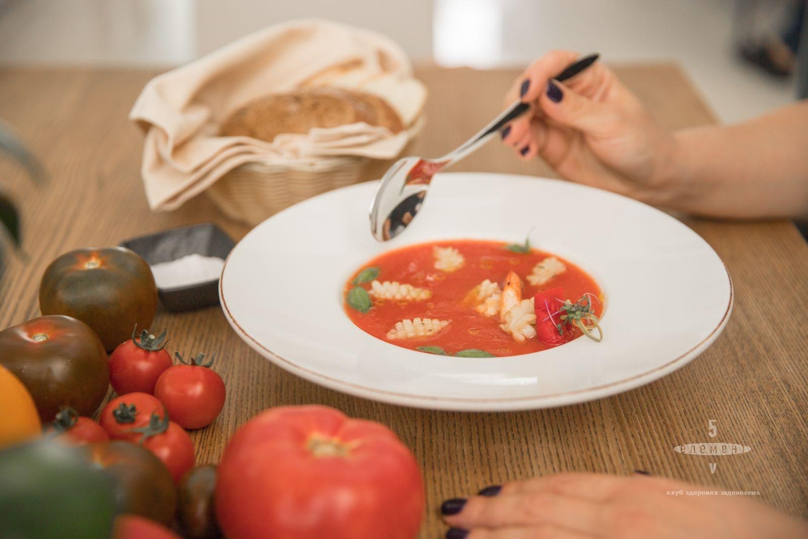 Самый летний томатный испанский суп — fitness club 5 element
