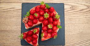 Новинка літа - полуничний торт— фітнес-клуб 5 елемент
